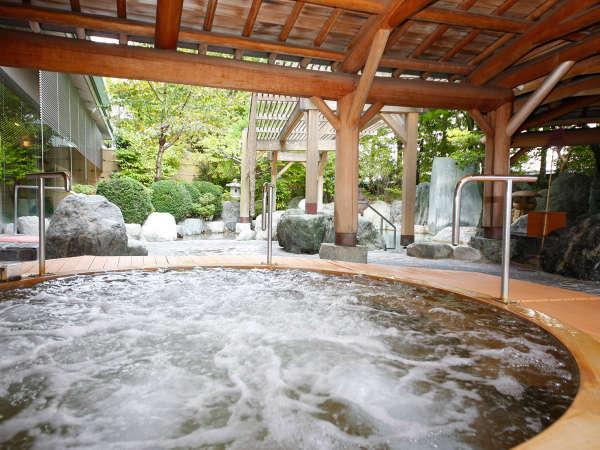 本陣大浴殿 檜露天風呂 スイッチを押してジャグジーを楽しんでね♪