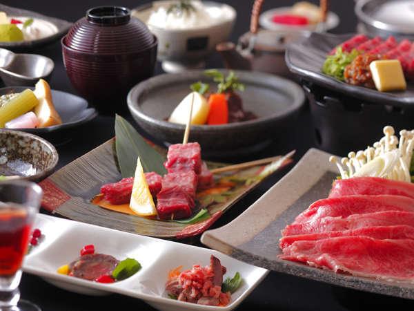 【飛騨牛たっぷり贅沢コース】厳選飛騨牛をいろんなお味で楽しめます。お口の中に広がる肉の旨みを堪能!
