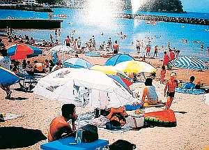 西伊豆最大の海水浴場