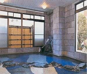 天然温泉溢れる大風呂