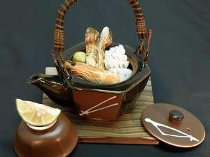 松茸土瓶蒸し付き。秋の京会席お部屋食【女性は選べる色浴衣】プラン