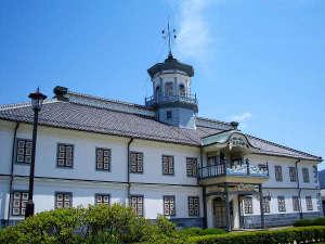 国の重要文化財「開智学校」教育博物館として江戸から現在までの各種教育資料を展示