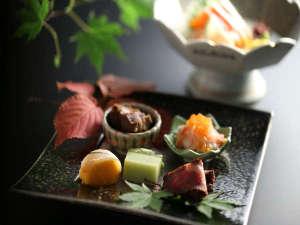 信州の四季を感じる前菜などをご堪能下さい。