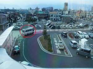 無料送迎バスは松本駅西口(アルプス口)のロータリー(赤いマルのあたり)でお待ちしております。