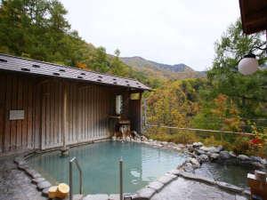 紅葉を眺めながらごゆっくりどうぞ!女性用露天風呂10/17撮影