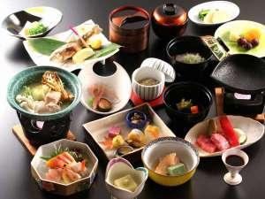 長野県産黒毛和牛や信州サーモンなど信州の味覚が味わえるグレードアップ会席料理