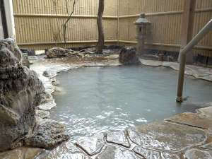 貸切家族風呂の露天風呂 内湯と一緒にご利用頂けます
