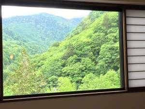 最上階の窓からは白骨渓谷の絶景を眺めることができます!2016年6月8日