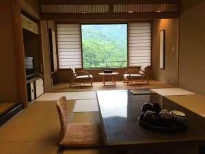 新館【東館】のお部屋一例お部屋からの景色は白骨随一