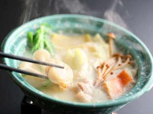 夕食で頂ける源泉を使った豆乳鍋は大好評!