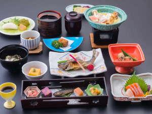 大好評の源泉を使った豆乳鍋など信州の素材を使った会席料理