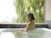 """""""無料""""貸切風呂『桜』新緑の景色をゆったりとお楽しみください"""