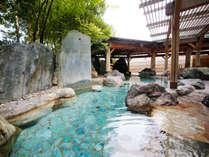 【本陣大浴殿】四季の移ろいを感じられる庭園露天風呂