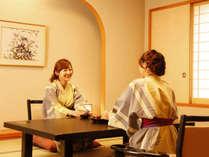 【天領閣和室】やはり和室が落ち着きますね。長旅の疲れを癒してください。