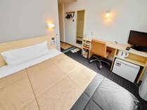 【シングルルーム】全室140cm幅のベッド完備!広々お休み頂けます♪